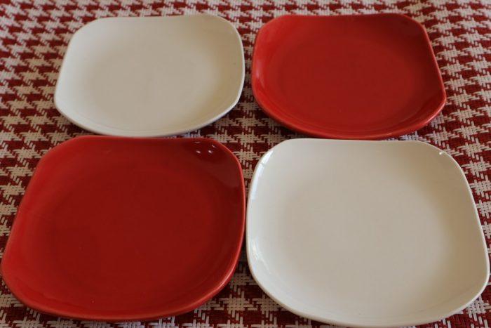 ナチュラルキッチン紅白お皿